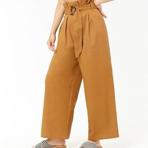 Forever 21 Paperbag cropped pants 🌈